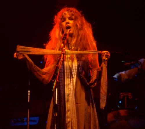 Stevie Nicks, 1975-4 - 24 KBytes
